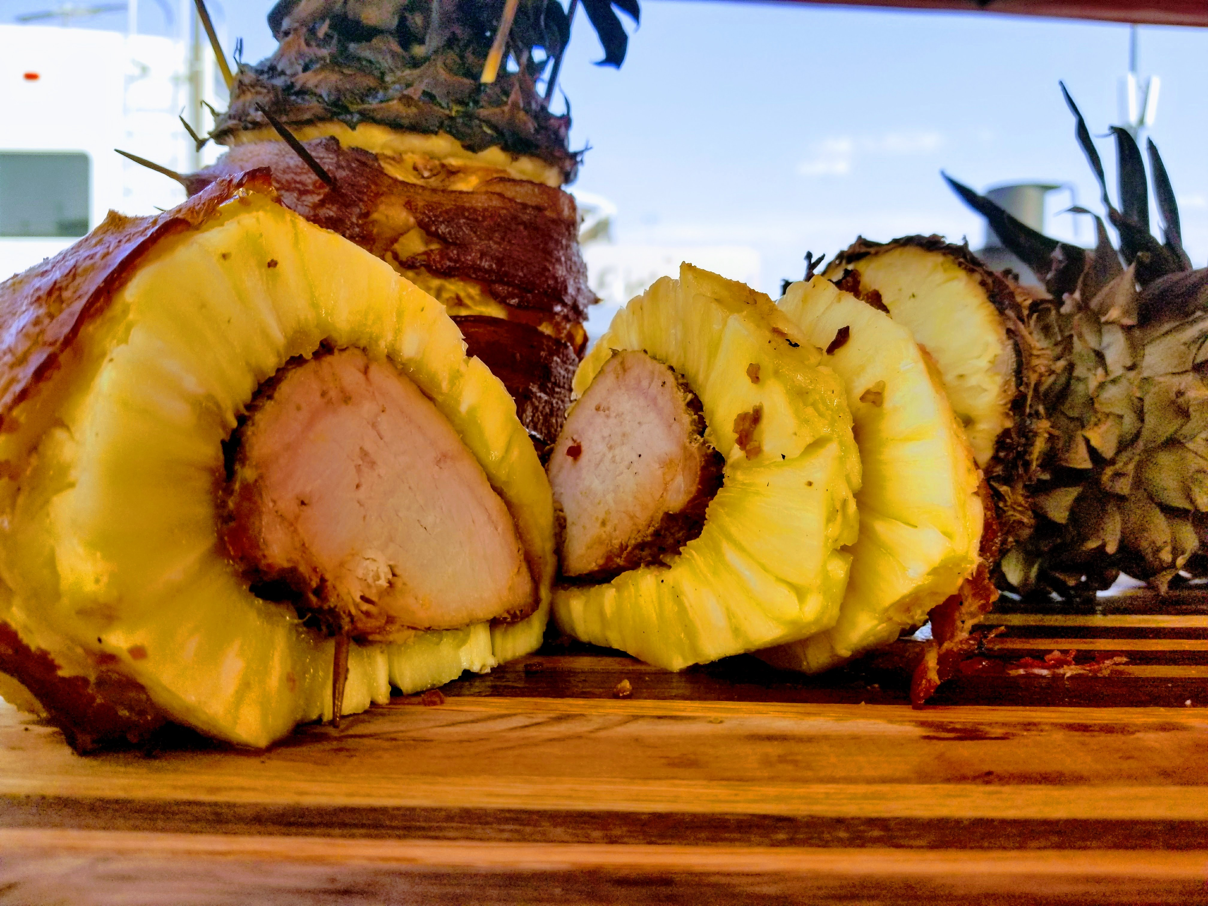 Smoked Swineapple – Pineapple stuffed with Pork Loin